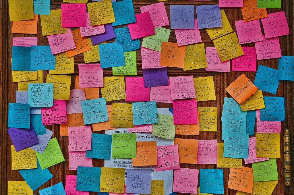 post-it-note-wall